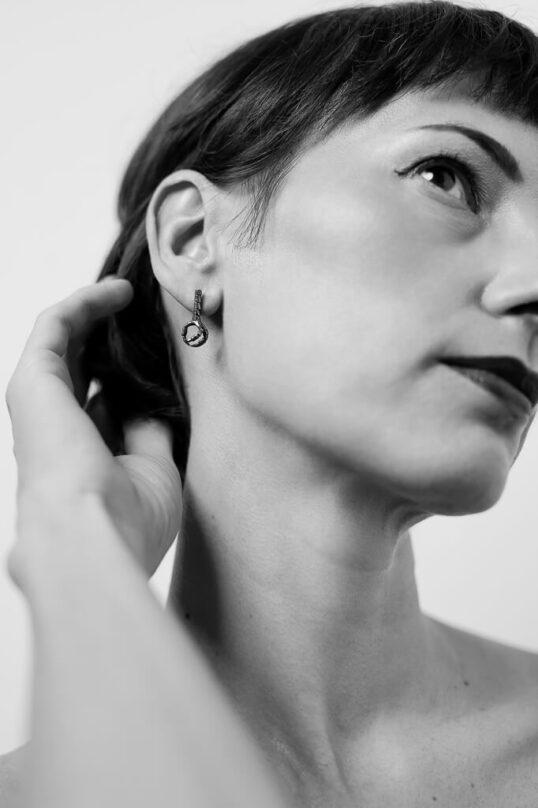 Side claw Earrings